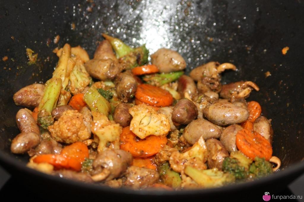 Куриные сердечки с овощами с фото