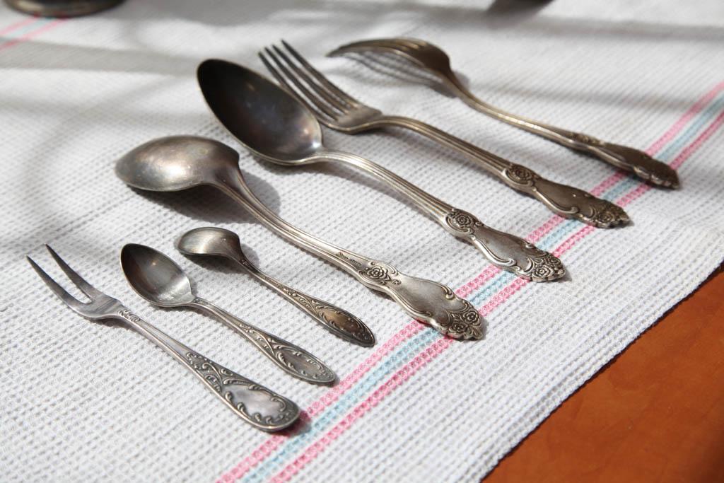 Как в домашних условиях почистить вилки и ложки 28