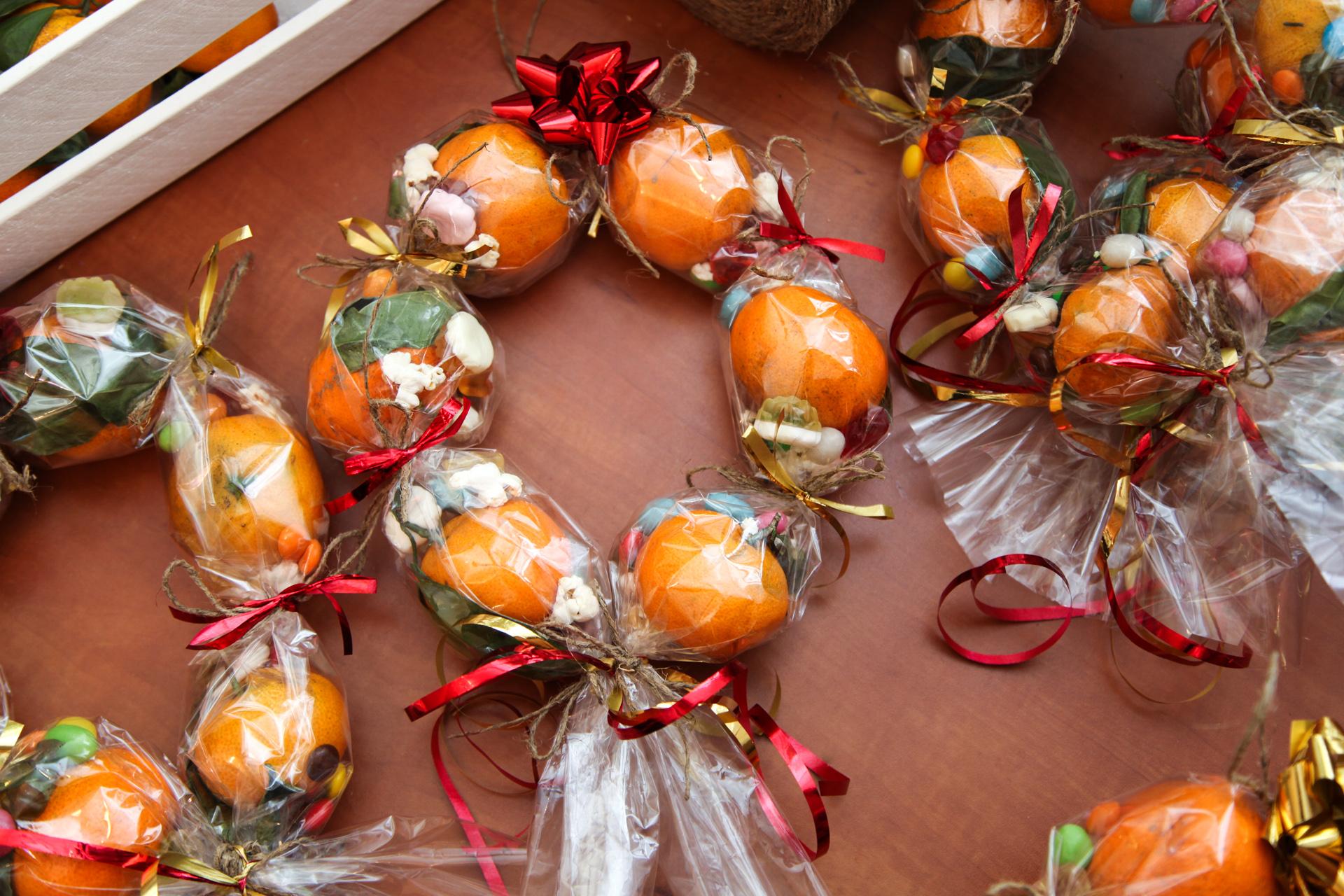 Новогодний букет своими руками с мандаринами